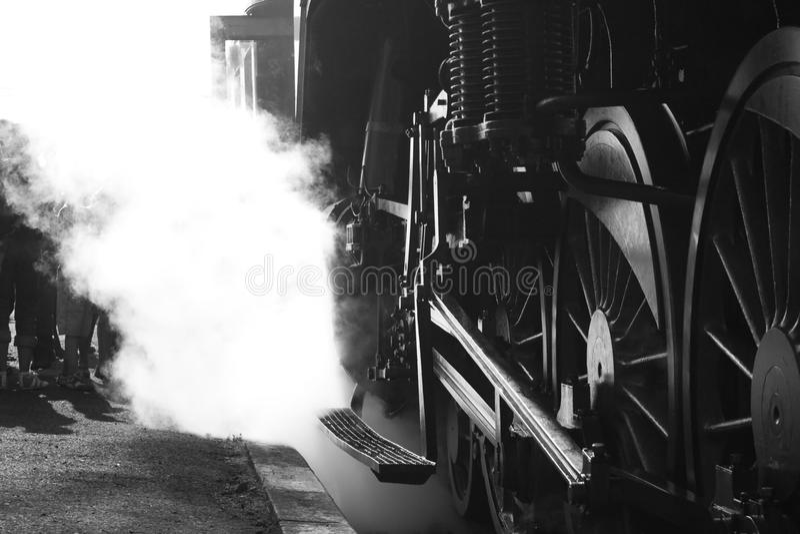 поезд пара людей стоковая фотография rf