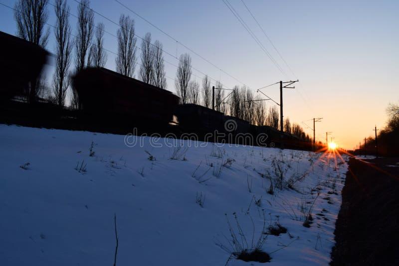 поезд перевозки moving стоковые изображения rf