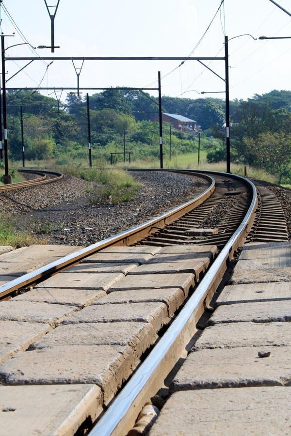 поезд следов кривого стоковое изображение