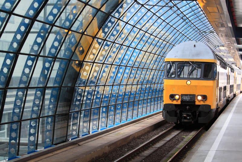 поезд станции amsterdam стоковые изображения rf