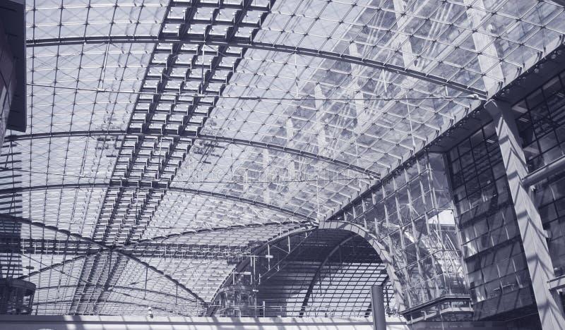поезд станции berlin зодчества самомоднейший стоковая фотография