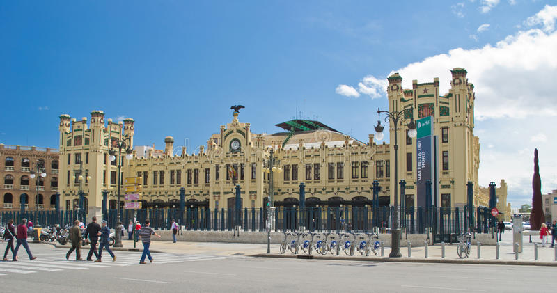 поезд valencia станции стоковые изображения