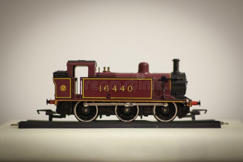 поезд игрушки певтера пем стоковая фотография