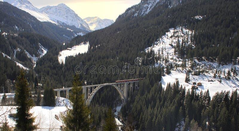 Поезд и мост стоковая фотография rf