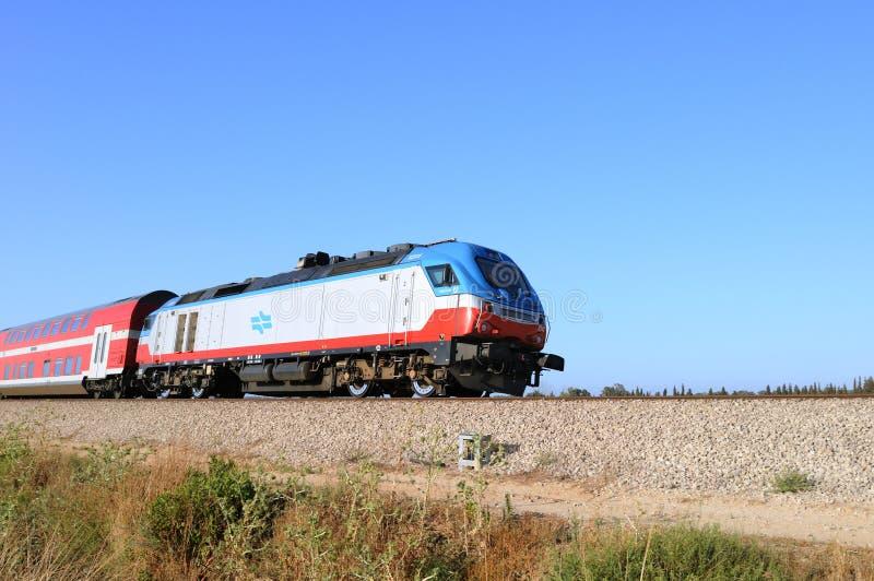 Поезд на рауте Ashkelon-Ашдоде Израиль стоковые изображения