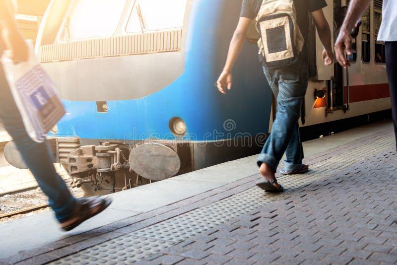 Поезд на станции стоковое изображение rf
