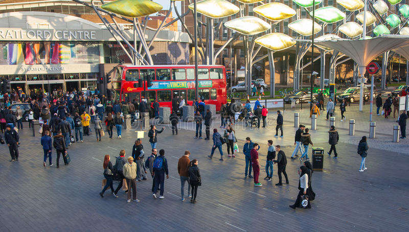 Поезд Стратфорда международные и станция метро, Лондон стоковые изображения