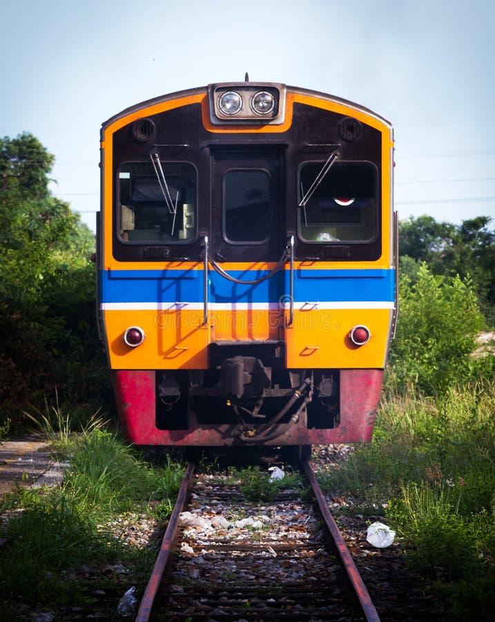 Download Поезд стоковое изображение. изображение насчитывающей ландшафт - 40590993