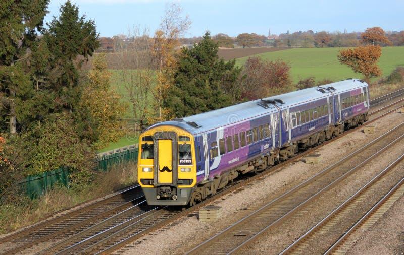 Поезд Dmu с усиком для призрения movember. стоковая фотография