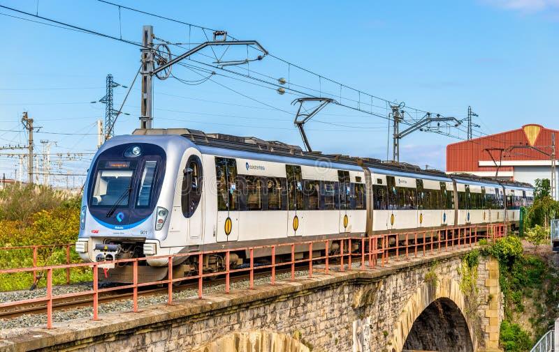 Поезд Donostialdea метро на границе Испании - Франции в Hendaye стоковое фото rf