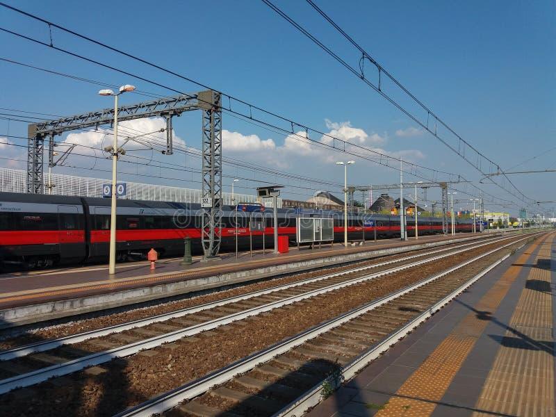 Поезд Frecciarossa междугородный стоковое изображение rf