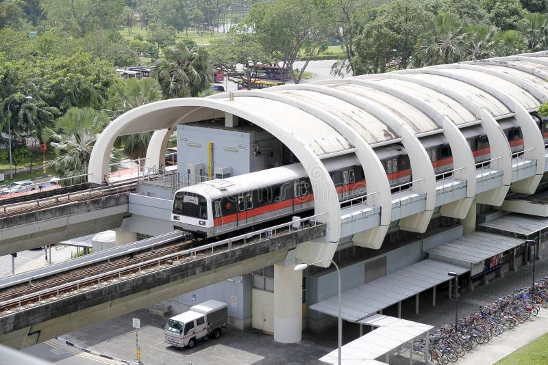 поезд mrt singapore стоковое фото