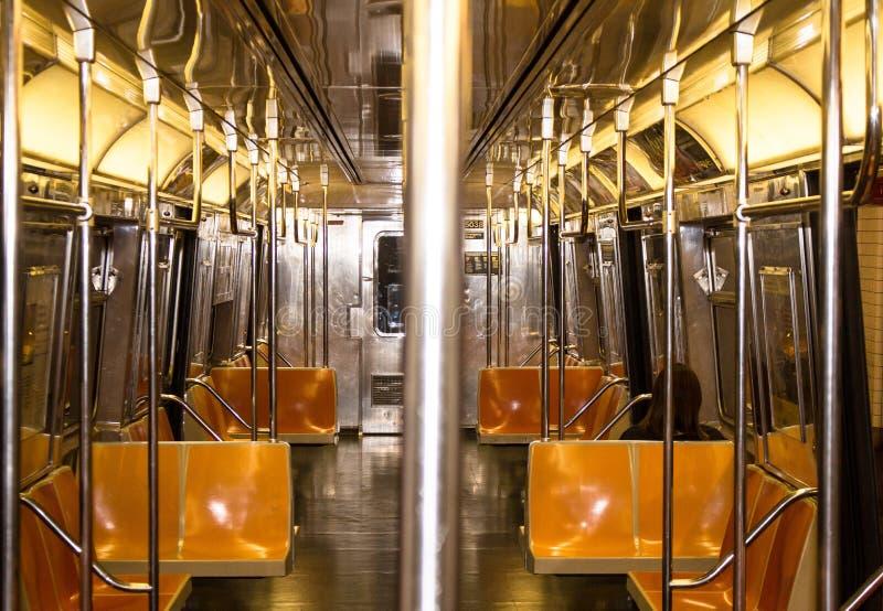Поезд NYC - внутрь стоковое изображение
