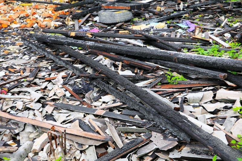 Пожарище древесины детали утиля дома огня стоковые изображения