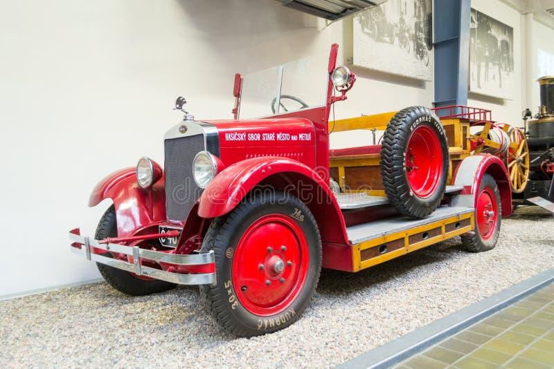 Пожарная машина 1930, национальный технический музей, Прага, чехия Skoda 154 года сбора винограда стоковые фото