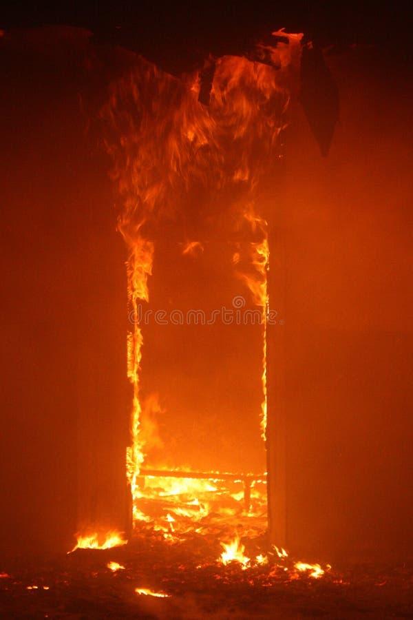 Пожар в здании стоковое фото rf