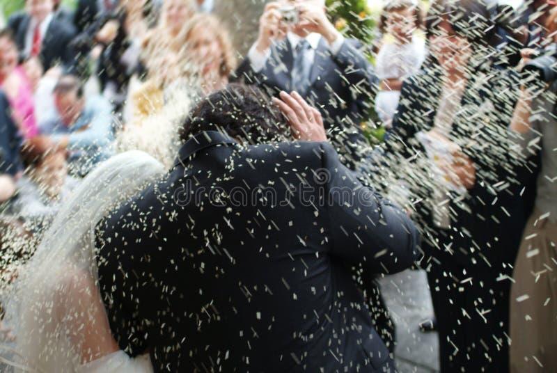 поженено над венчанием риса стоковое фото