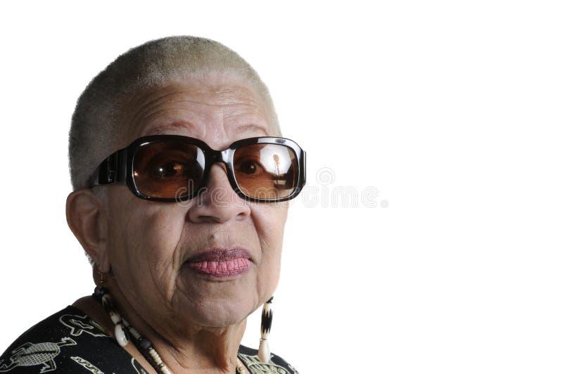 Пожилая женщина афроамериканца стоковая фотография rf