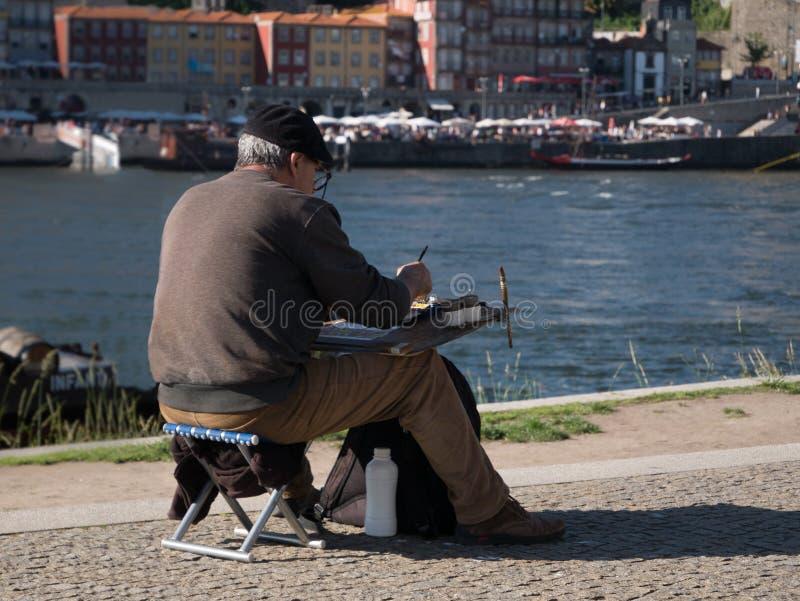 Пожилая картина художника рекой Дуэро в Порту, Португалии на летний день стоковое фото rf