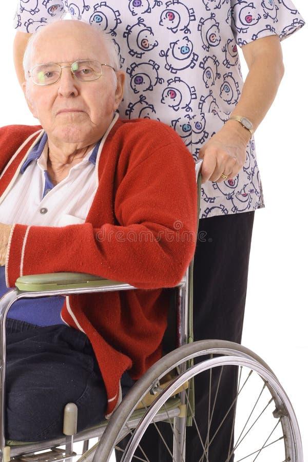 пожилая красивая кресло-коляска нюни человека стоковые изображения rf