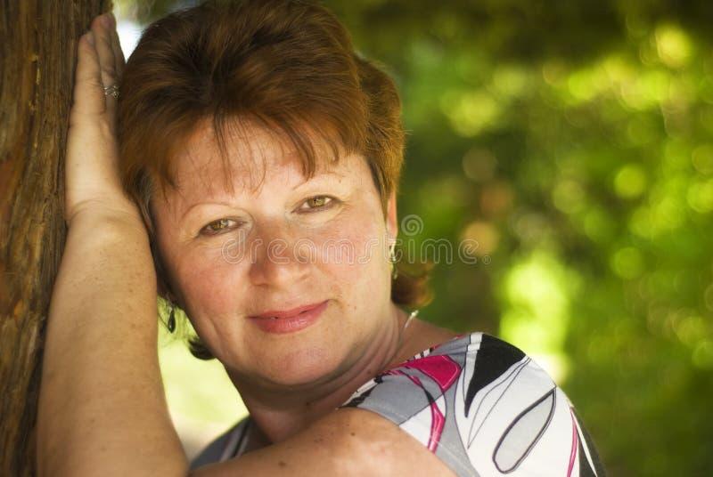 пожилые женщины стоковая фотография