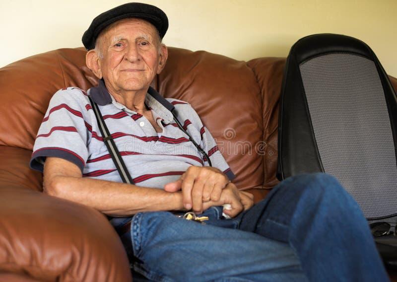 Пожилой человек стоковые фотографии rf