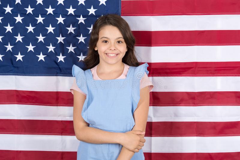 Позволенное царствование свободы Независимость счастье Праздник Дня независимости Американцы празднуют День независимости r стоковое изображение rf