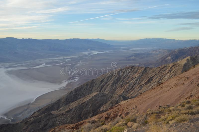 Поздно вечером на взгляде Death Valley Калифорнии ` s Dante стоковые фото