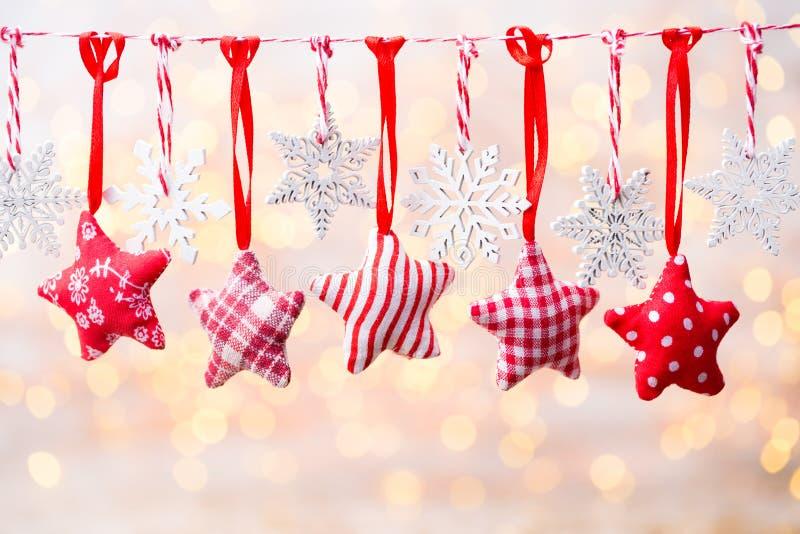 Поздравительная открытка рождества с украшениями рождества деревенскими стоковое фото rf