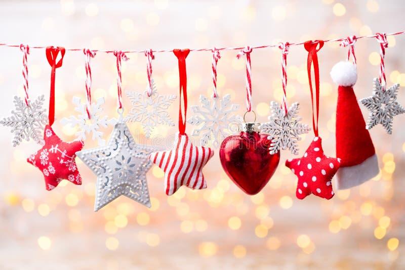 Поздравительная открытка рождества с украшениями рождества деревенскими стоковое изображение