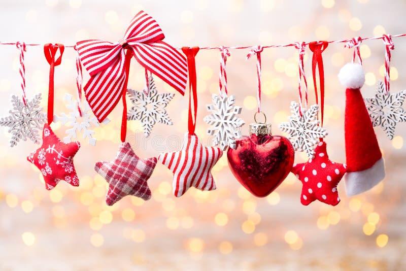 Поздравительная открытка рождества с украшениями рождества деревенскими стоковая фотография