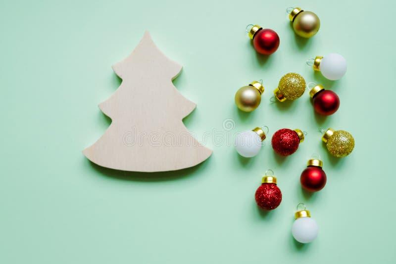 Поздравительная открытка Xmas Космос текста украшение рождества toys вал деревянный Взгляд сверху скопируйте космос Картина рожде стоковая фотография