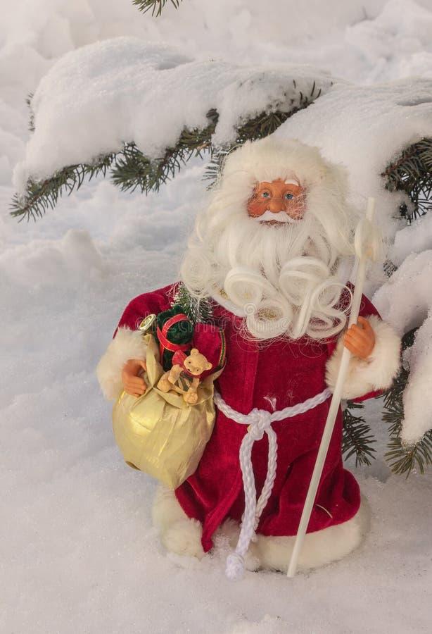 Поздравления на рождестве с игрушкой будут отцом рождества Ded Moroz, массового produc стоковые фотографии rf