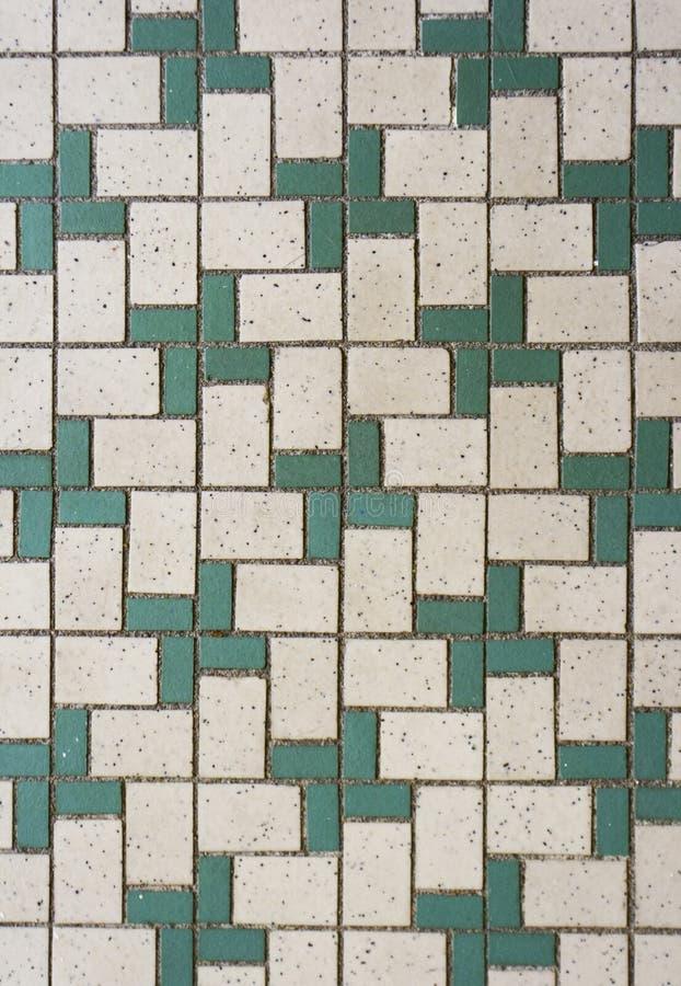 позеленейте плитки мозаики белые стоковая фотография