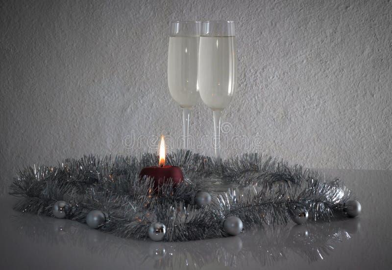 Поздравительная открытка сделанная рождества и шариков украшения года yew, сусали, candel и 2 стекел шампанского с отражением стоковые фото