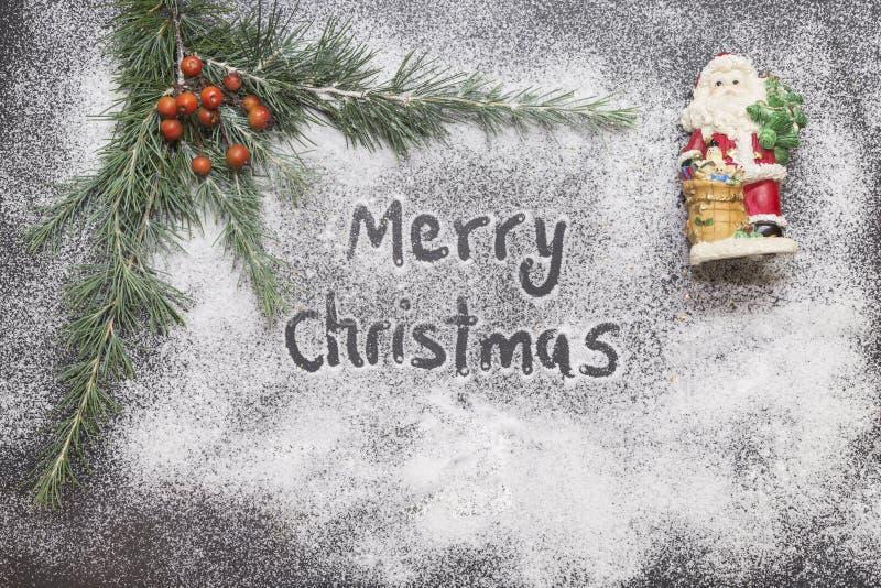 Поздравительная открытка с праздничным украшением и текстом - с Рождеством Христовым стоковое изображение rf