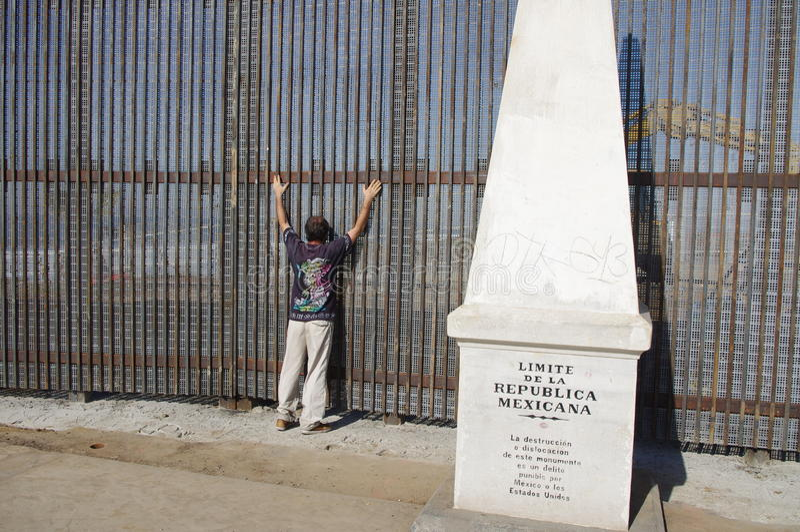 Поиск безопасностью на мексиканской границе стоковые фото