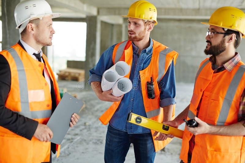 Показывать строительную площадку к контролеру стоковые фото