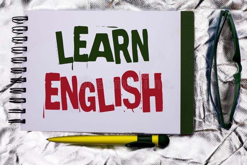 Показ знака текста учит английский язык Схематическое исследование другое фото стоковые изображения