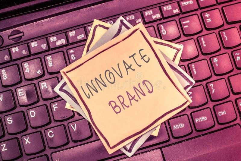 Показ знака текста Innovate бренд Схематическое фото значительно innovate продукты, обслуживания и больше стоковое изображение rf