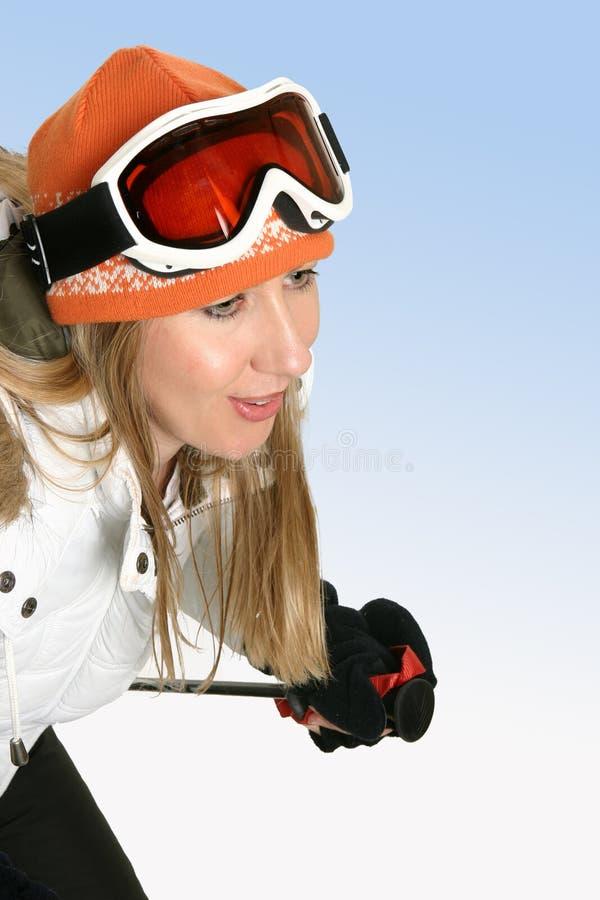 покатый лыжник стоковая фотография