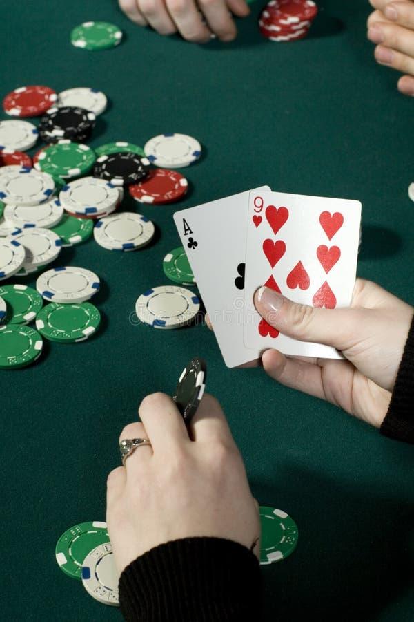 покер удерживания руки стоковое фото