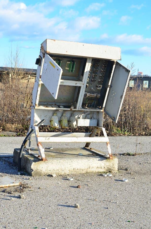 Покинутая коробка взрывателя стоковые фото