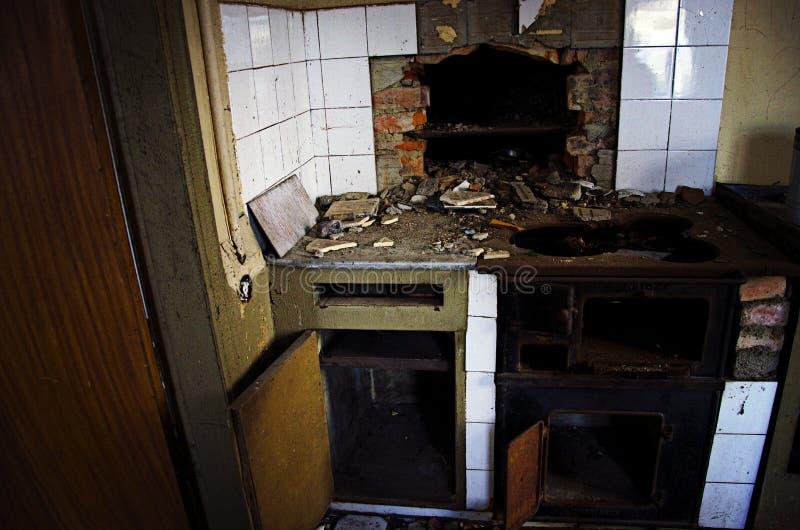 Покинутая кухня стоковое изображение rf