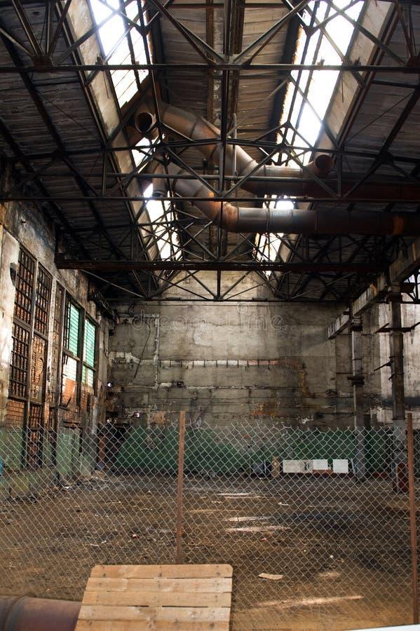 покинутая пустая фабрика стоковая фотография rf