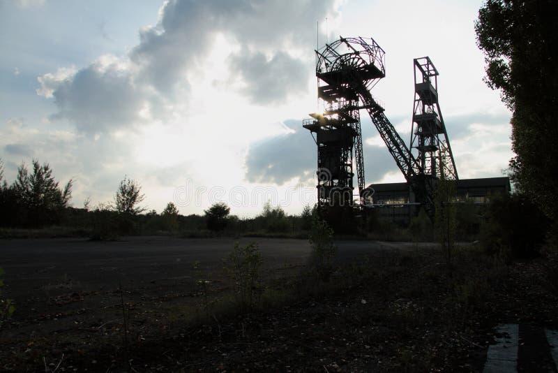 Покинутая яма шахты стоковая фотография