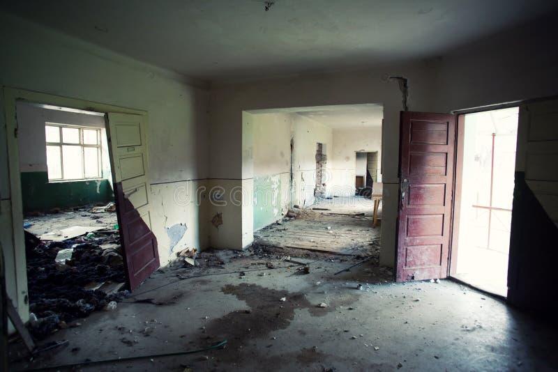 покинутое здание