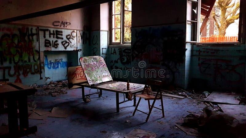 покинутые здания стоковые фотографии rf