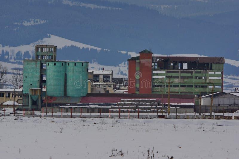 покинутые руины фабрики стоковое изображение rf