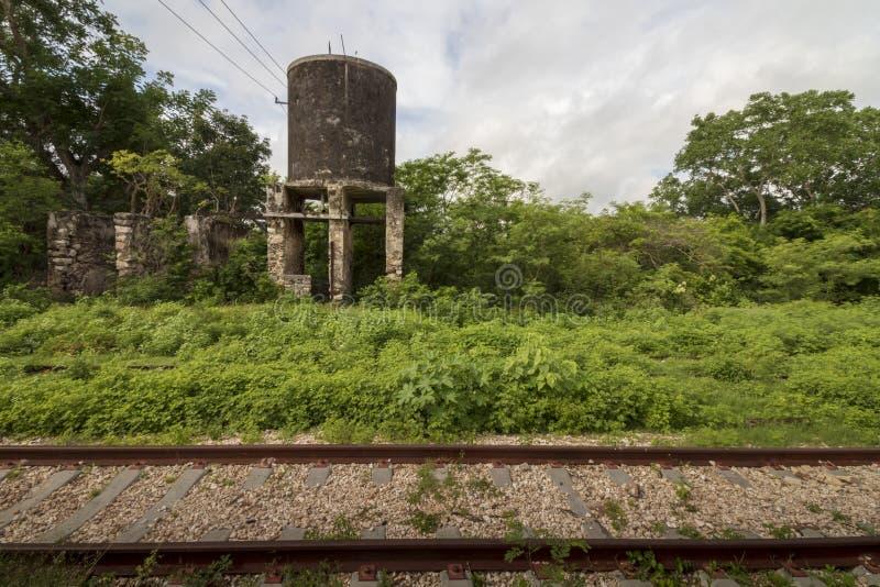 покинутый железнодорожный след стоковое изображение rf